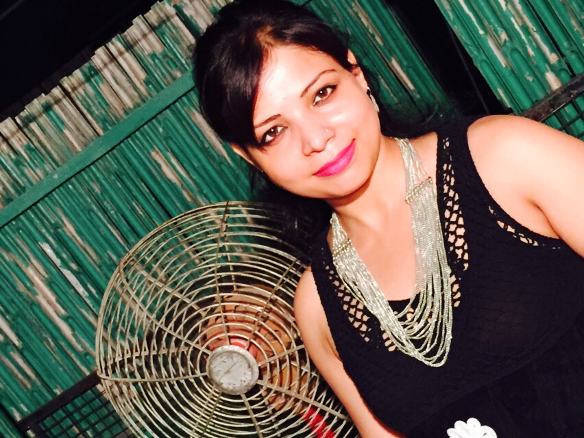 Shiwangi Shrivastava Popular Female Blogger in India